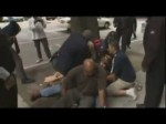 Raw video: Robbery Suspect is Tackled by Brave Bystanders in Seattle
